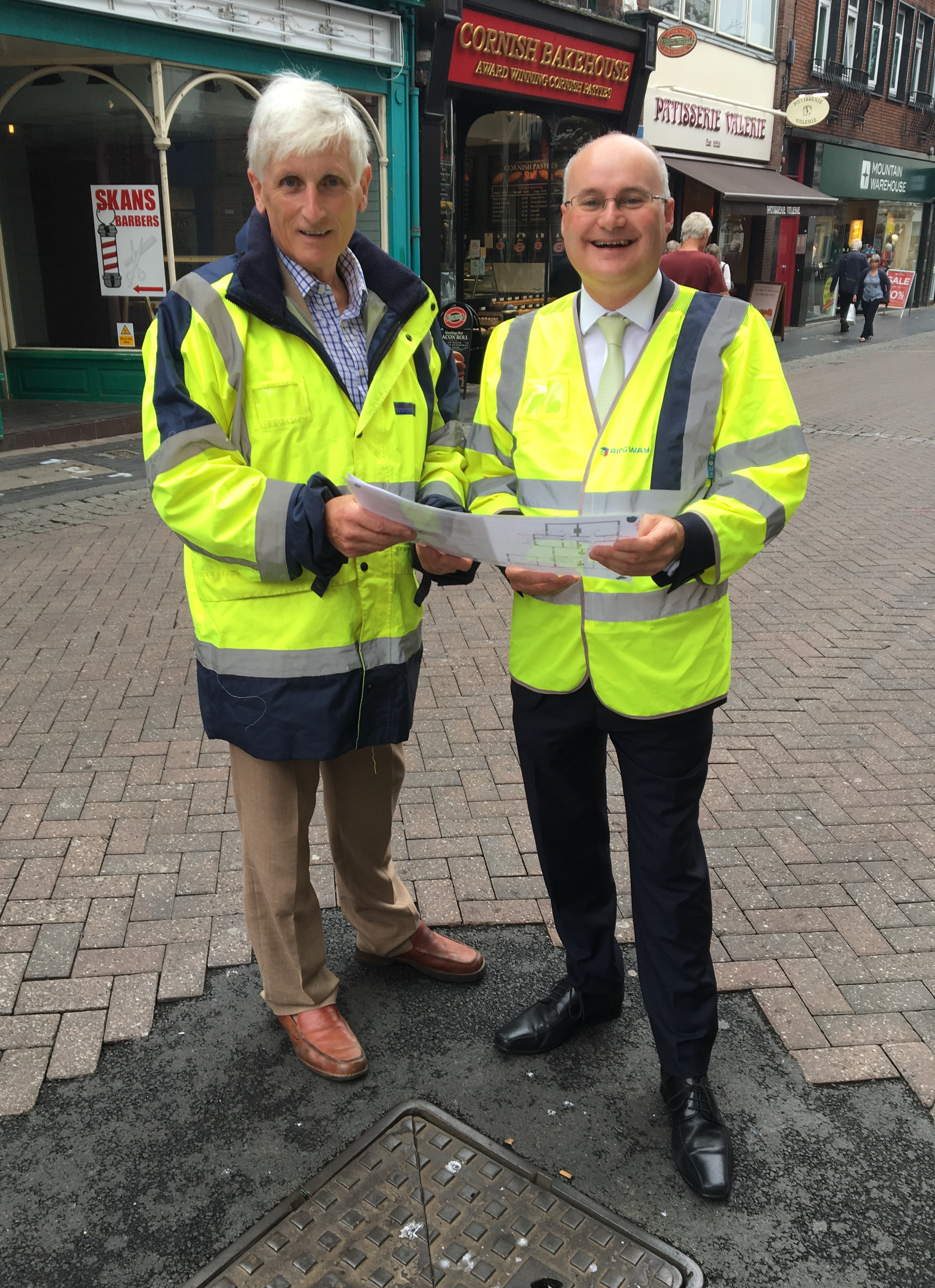 Councillor Ken Pollock and Councillor Simon Geraghty in Broadstreet
