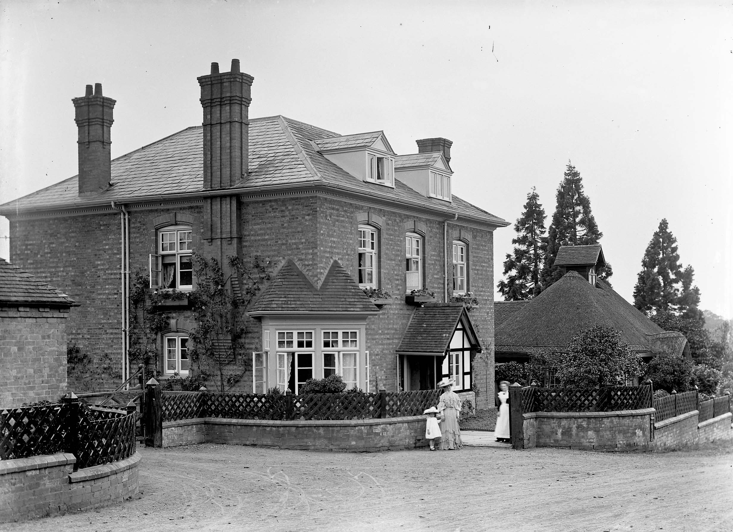 old black and white image of Hindlip Rectory