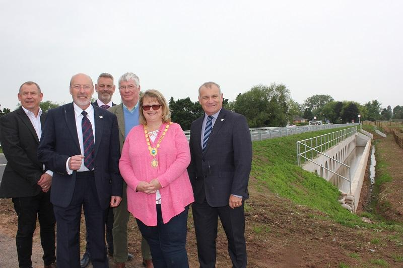 (L to R): Mark Mills, Project Manager, Worcestershire County Council; Cllr Tony Miller, Worcestershire County Council's Cabinet Member with responsibility for the Environment; Jon Fraser, Worcestershire County Council Highways; Cllr Paul Middlebrough, Worcestershire County Council; Henrietta Ross, Mayor of Upton-Upon-Severn and Gary Woodman, Chief Executive of Worcestershire Local Enterprise Partnership.